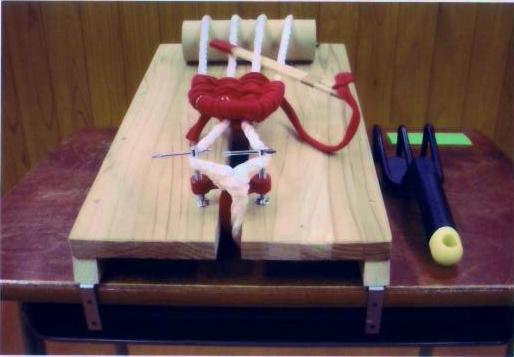 『手編みでつくろう布ぞうり』編み台