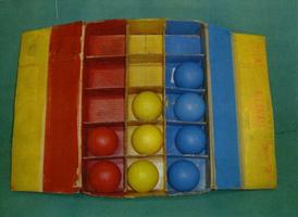 三色弁別ボックス